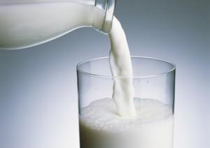 二日酔い予防に牛乳
