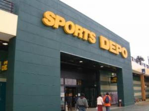 スポーツ用品店でスノーボードを購入