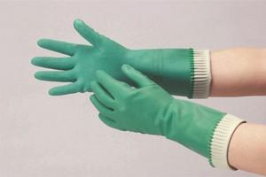 ゴム手袋で静電気防止