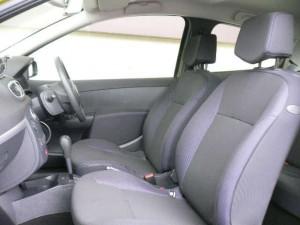 車のシートが静電気の原因