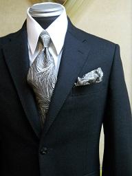 結婚式にブラックスーツ