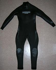 クラゲ対策のウェットスーツ