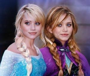 アナと雪の女王のアナとエルサのコスプレ