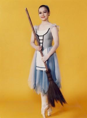 ハロウィンの灰かぶり姫のコスプレ