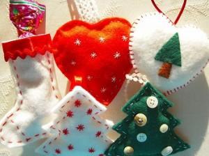 クリスマスに飾りを手作りで