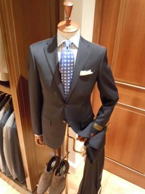 成人式のブランドはビームスのスーツ