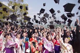 大学の卒業式に親
